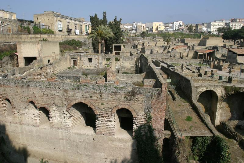 View from above. You can see the current town of Herculaneum in the background.