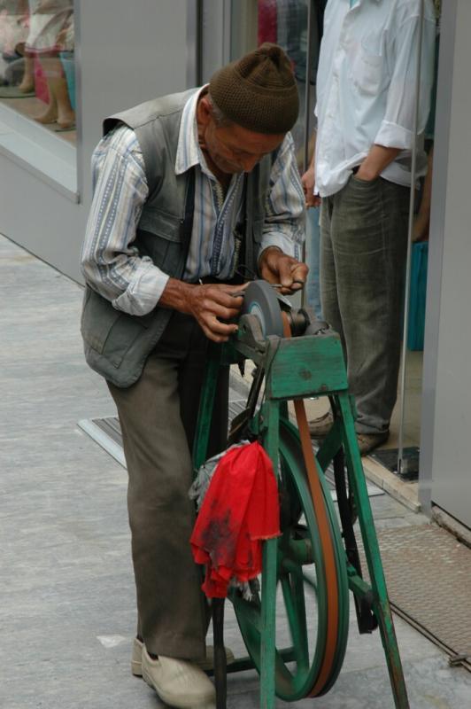Istanbul knife grinder