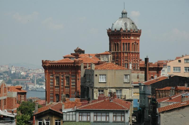 146 Istanbul  Greek Lycee of the Fener 1881 june 2004