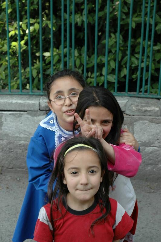 153 Istanbul  kids june 2004