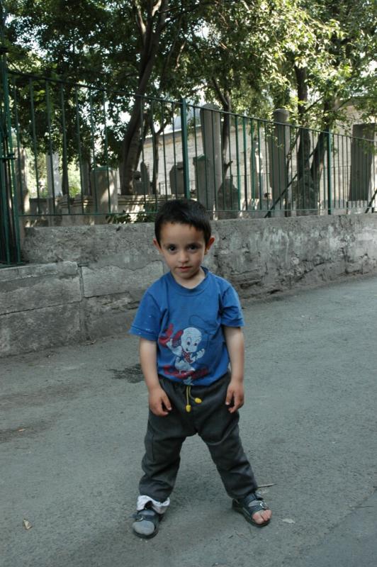 156 Istanbul _kids-june 2004