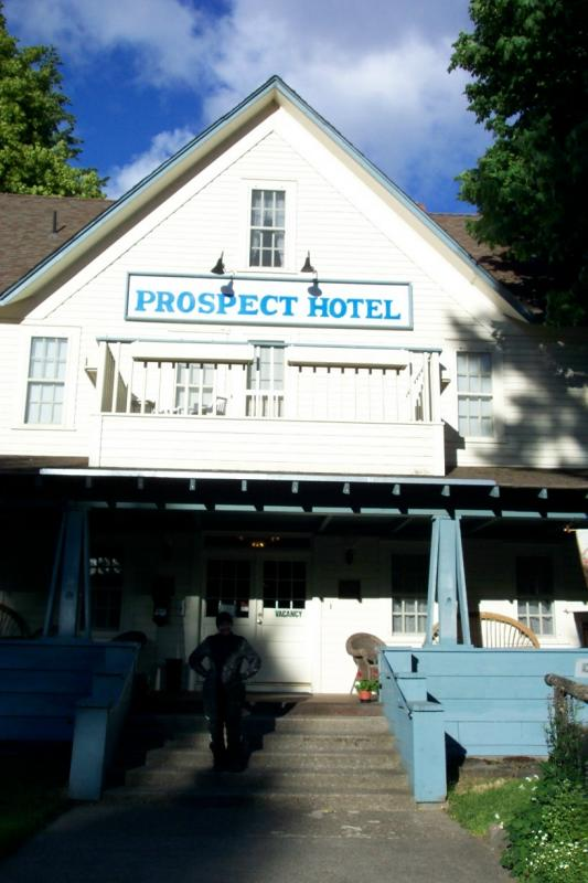 This was a nice little hotel we stayed at in Prospect Oregon