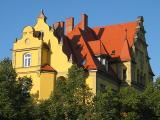 MÜNCHEN YELLOW HOUSE