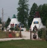 030813-01-Roadside native craft shop.JPG