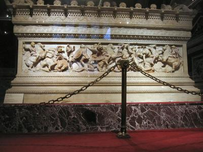 Alexander sarcophagus: other side -- full panel, but roped off