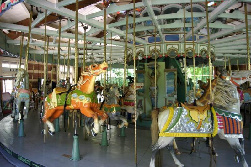 Carousel_006.JPG