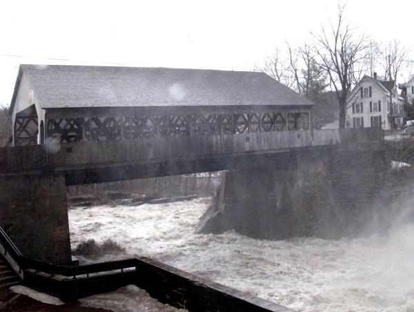 quechee-bridge-in-mist-spring
