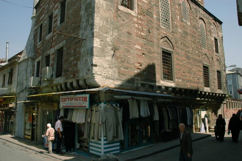 268 Istanbul Ismail Aga Mosque june 2004