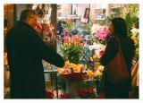 Si un desconocido te regala flores