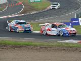 Russell Ingall chases down Greg Murphy