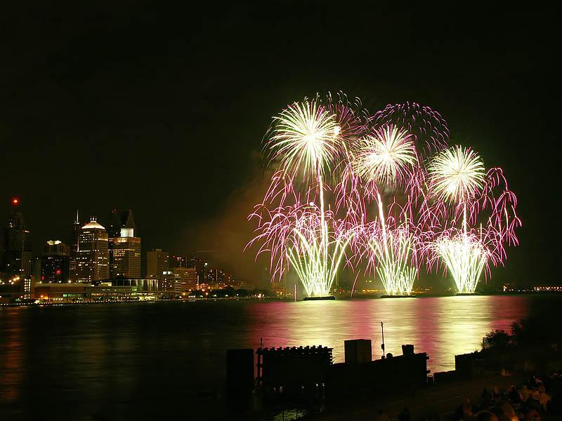 Freedom Festival Fireworks 22:07:17 hrs