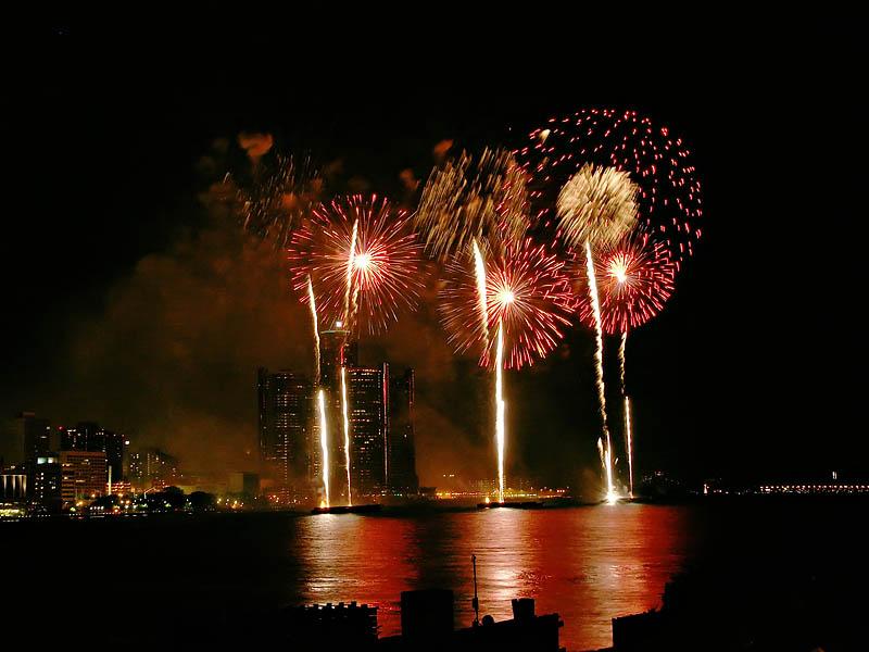 Freedom Festival Fireworks 22:25:58 hrs