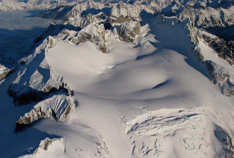 Dome & Dome Glacier (Dome5-010603adj.jpg)