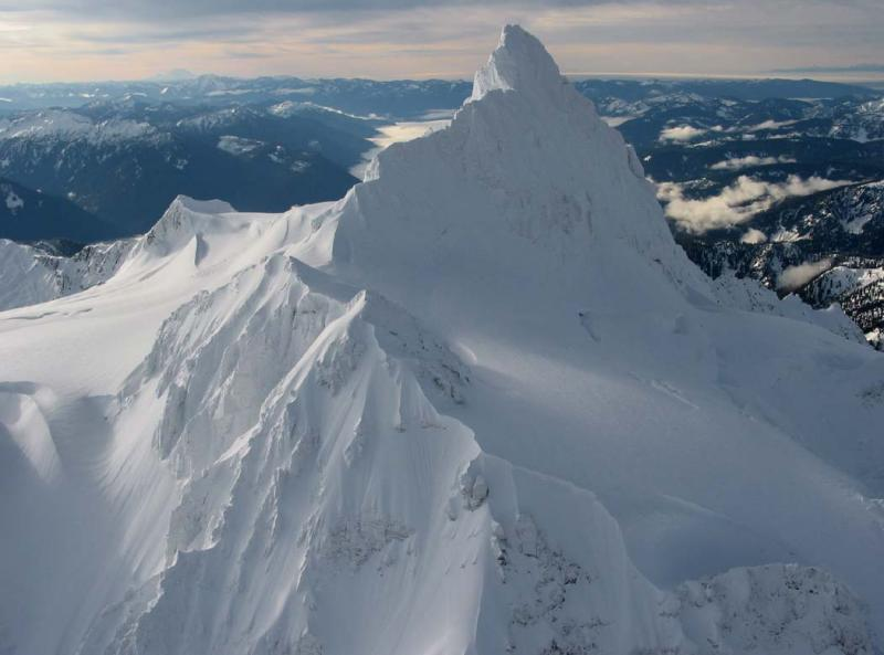 Shuksan, Summit Tower, View South (Shuksan011604-16.jpg)