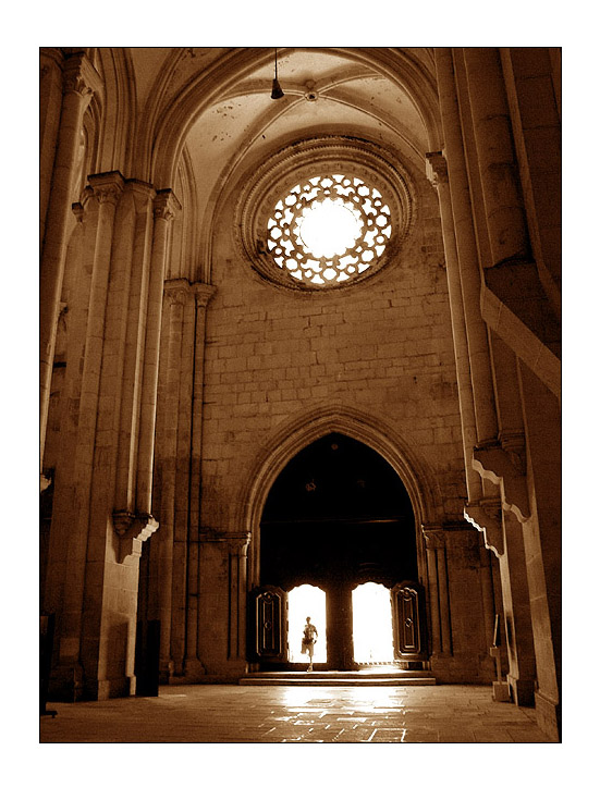 Dentro do mosteiro ... 24