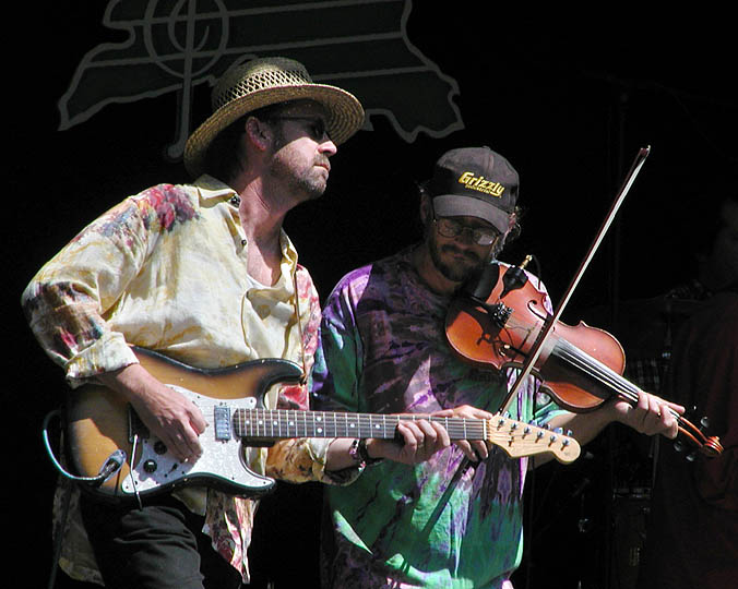 Pickin and fiddlin with Left of Memphis