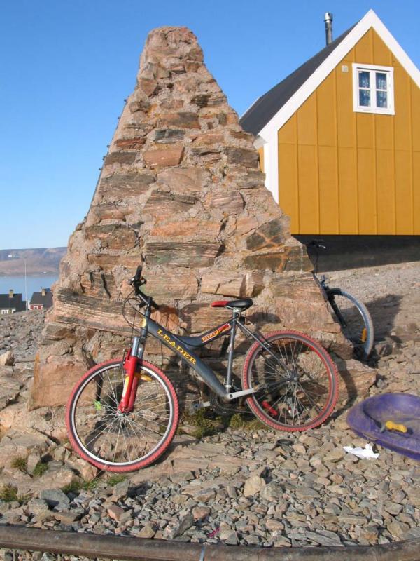 Monument to J B Charcot (arctic explorer)