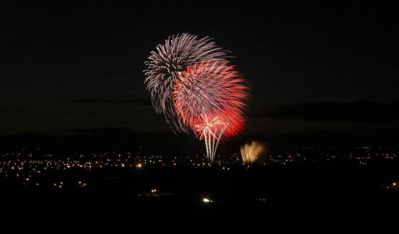 Fireworks July 4 2004 Pocatello D70 DSC_0047.jpg