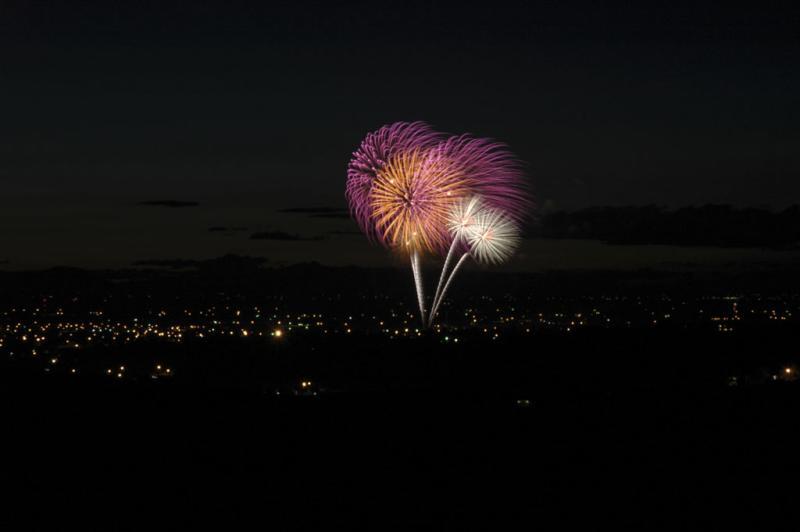 fireworks July 4 2004 Pocatello Idaho D70 DSC_0036.jpg