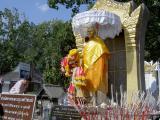 Khruba Sriwichai Monument
