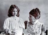 Elizabeth Mitchell and which daughter?