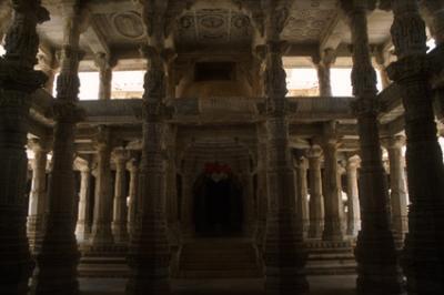 templesIN105_jain_Ranakphur.jpg