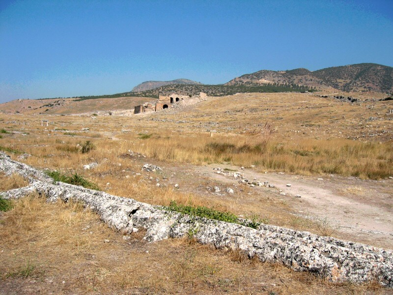 Entering Hierapolis.  &nbsp;I wondered how<br>it might have felt centuries ago to see the building (in better state).