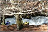 Diego junto al río