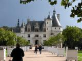 Chenonceau: the approach
