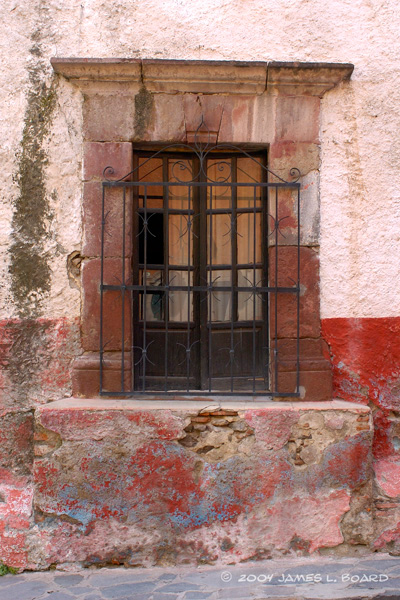 Window On Street SM34