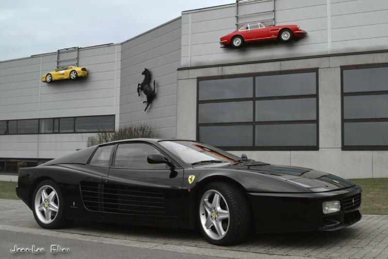 3 Ferraris