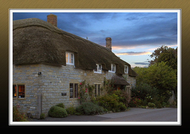 Thatched house at Long Load (2982)