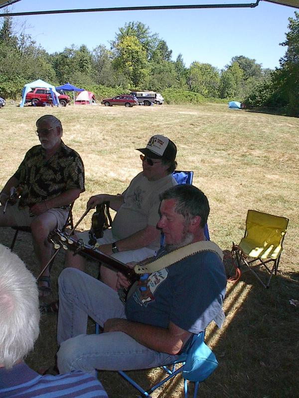 003 Tim Shaffer, Howie Meltzer and John Flory taking a break tween tunes