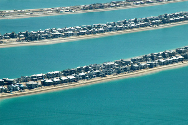 Villas under construction on the Palm Jumeirah, 20 March 2005
