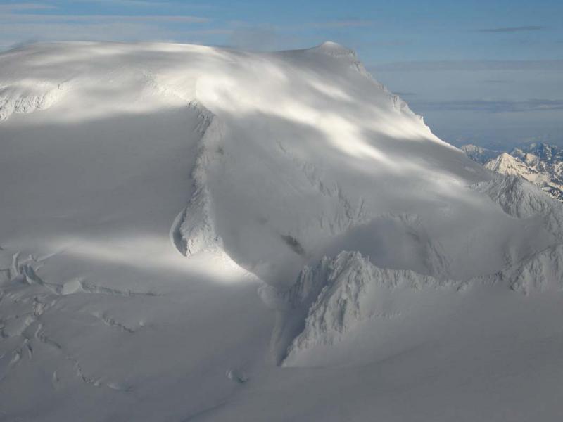 Sherman Crater & Grant Pk (MtBaker012505-001adj.jpg)