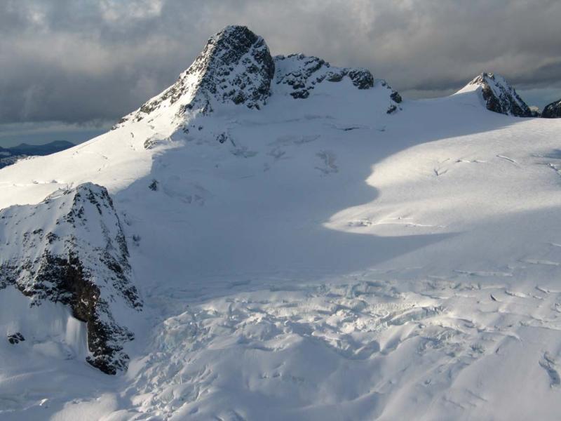 Shuksan & Crystal Glacier (Shuksan110504-013adj.jpg)
