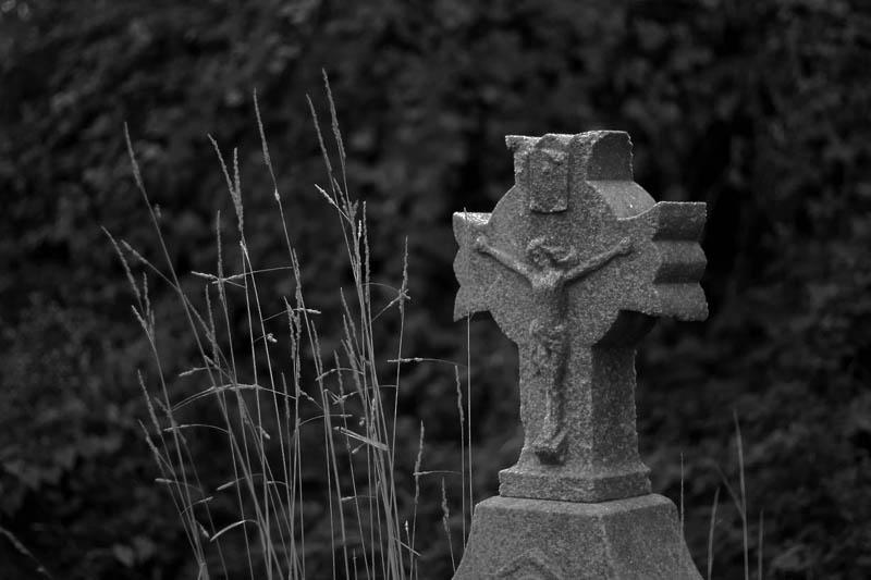 lonely_cross.jpg