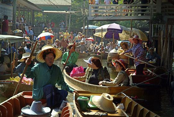 Thailand-Ratchaburi-Floating Market plus Tourists