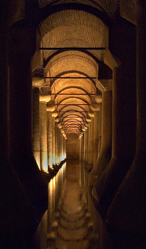 Yerebatan Sarnici (underground cistern)