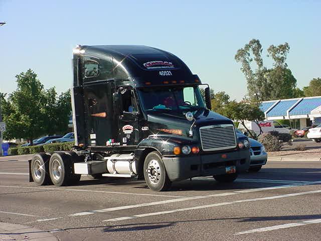 40521 nice big<br>black big rig