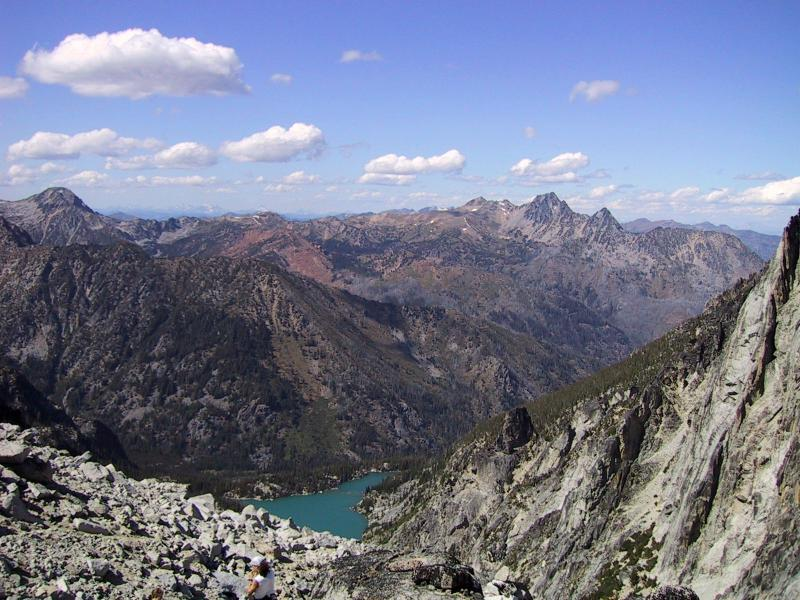 Northern view from Aasgard Pass