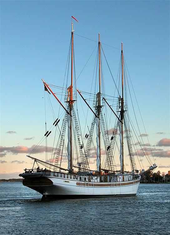 Sail Ship Linden