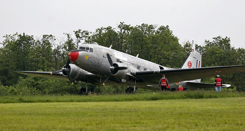 Douglas DC 3 militaire