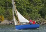Jeudi 5 mai - Une coque bleue sur la rivière d'Auray