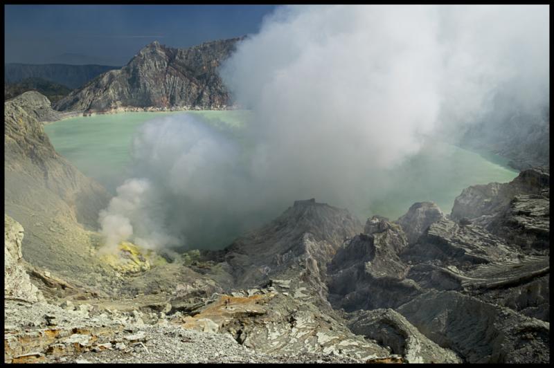 WM-2005-0726- 1607 - INDO - Volcans dIndonésie copie.jpg