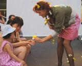 GIRLS & FLOWERS