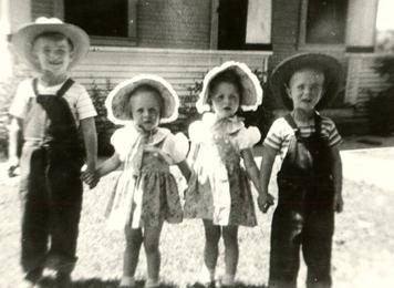 Dick , Betty, Bobbi & Kenneth Taylor