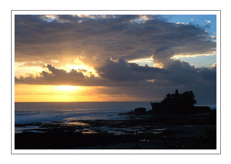 sunset at tanah lot.jpg