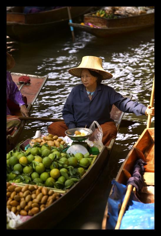 thailand market woman 4.jpg