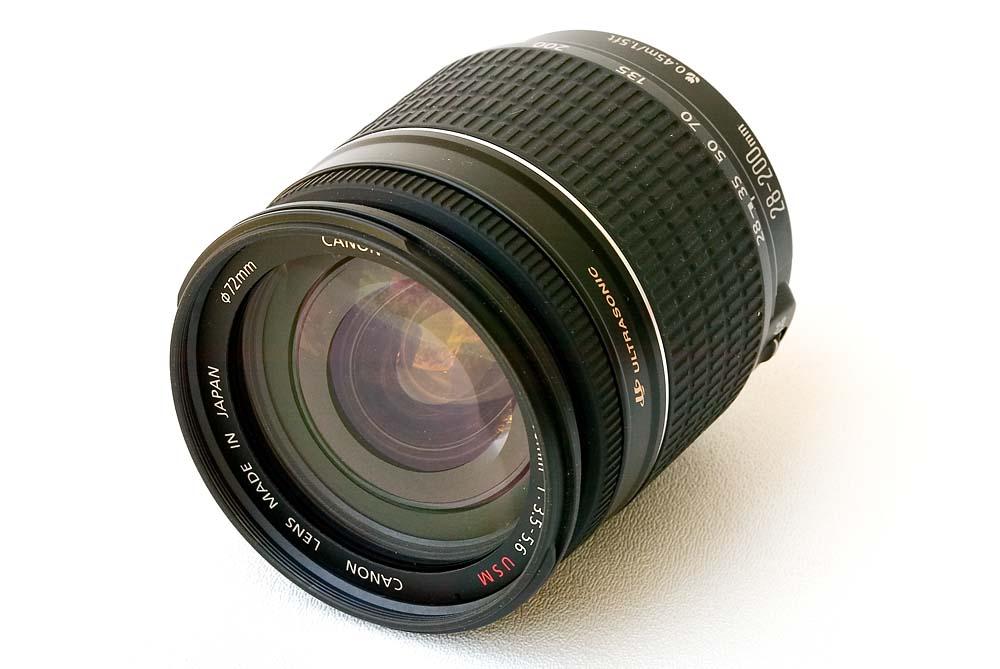 Canon Zoom Lens EF 28-200mm f/3.5-5.6 USM
